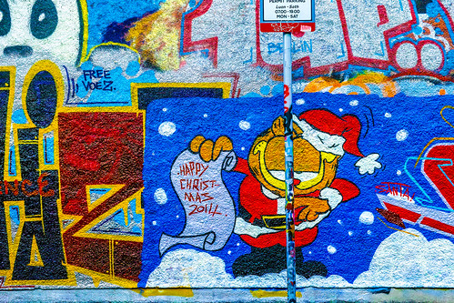 STREET ART AT WINDMILL LANE CHRISTMAS 2014 REF-100873
