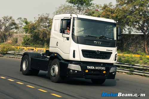 2015-Tata-T1-Prima-Racing-Truck-02