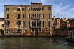 venezia 160403_263 (gmcvrphoto) Tags: finestra porta acqua venezia riflessi architettura canale balcone allaperto