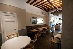 _DSC1151 (fdpdesign) Tags: arredamenti shop design shopdesign nikon d800 milano italy arrdo italia 2016 legno wood ferro sedie tavoli locali cocktails bar interni architettura