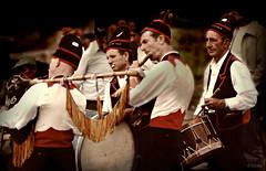 """Airios da Ulla"" (Franco DAlbao) Tags: musicians 35mm group slide folklore galicia grupo 1978 tradition diapositiva tradicin msicos folclore catoira mticos kodachromefilm mythicals yashicatle dalbao francodalbao airiosdaulla"