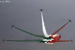 Scintilla Tricolore (Luca Bobbiesi) Tags: arona airshow aronaairshow voloacrobatico airplane freccetricolori pan scintillatricolore aerei aermacchi canoneos7d canonef100400mmf4556lisusm