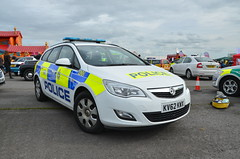 KV62KWK (Emergency_Vehicles) Tags: show police 400 service emergency wiltshire astra vauxhall 2015 kn62kwk