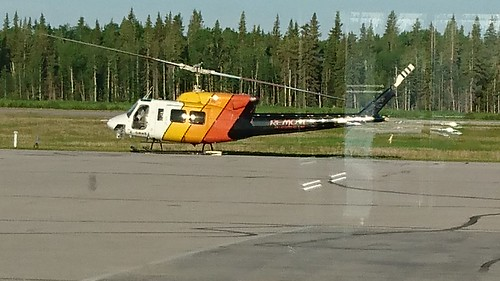 Helicopter at Hay River Airport 01
