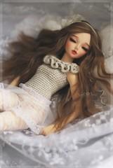 1/4 Frozen Waves Top in SugarBeige (Red Ribboned Dolls) Tags: frozen doll waves redribbon 14 chloe bjd dollfie fairyland abjd auri msd mnf minifee redribboneddolls