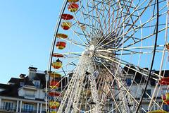 # Pau 1 (Julien.Do) Tags: france color soleil grande pau extrieur couleur ville attraction roue urbain mange