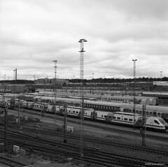 Hasselblad_209 (Timo Alatalkkari) Tags: hasselblad 500c carlzeiss planar 80mm ilford delta 100 id11 helsinki streetphotography cityscape
