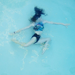 danse aquatique (elevatoro) Tags: select holmby pool underwater aqua kids square backyard swim swimming rad leibow dance lindsay pose balet ballet