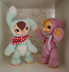 """A New Friend!!"" (Lisa_Anne*) Tags: toysfield kuma usagi doll toy"