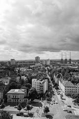 Above Linden (Diskopierre) Tags: blackwhite hannover architektur uni efs 18mm 2014 canon70d