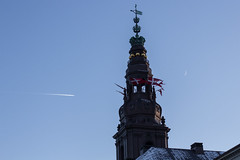 "Contrails and a Full Moon - Christiansborg • <a style=""font-size:0.8em;"" href=""https://www.flickr.com/photos/32368927@N02/15498149254/"" target=""_blank"">View on Flickr</a>"