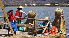 Navegando con los Uros  (Navigating with the Uros) (Gustavo Mrquez Photography) Tags: uros titicaca inca per balsa mardevimage