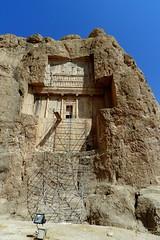 Naqsh-e Rostam Tumba de Jerjes I Irn 001 (Rafael Gomez - http://micamara.es) Tags: world heritage de iran persia unesco tumba reyes irn rostam humanidad patrimonio i naqshe jerjes aquemenidas