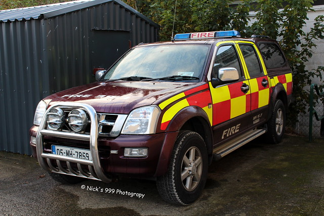 blue rescue fire lights 4x4 05 led pump vehicle leds service 16 emergency mh firefighters appliance j1 sirens isuzu meath nobber dmax 7859 4x4vehicle isuzudmax meathfirerescueservice mh16j1 05mh7859 nobberfirestation