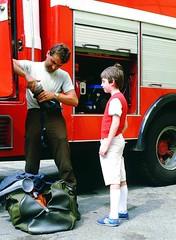Piccoli vigili del fuoco crescono #fireman #vigili #del #fuoco #seregno #maschera #aria #truck #firetruck #pompiere #pompieri #felicit #happy #stupore (massiporro) Tags: del truck happy firetruck fireman fuoco aria maschera vigili stupore pompieri felicit pompiere seregno