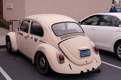 Bad Bug (WissPix) Tags: old volkswagen beige beetle modified beatup