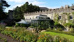 Gleann Bheatha (ɑlɑstɑr ó clɑonɑ́ın) Tags: ireland lake castle nationalpark donegal glenveagh éire gleannbheatha irland2014