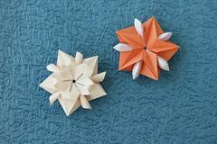 Modular origami stars (ronatka) Tags: modularorigami star origamistar square orange white nataliaromanenko tutorial efs18135mmf3556is flowersorigami peterkeller valleyfolder