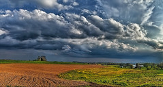 IMG_8394-95Ptzl1scTBbLGE2 (ultravivid imaging) Tags: ultravividimaging ultra vivid imaging ultravivid colorful canon canon5dmk2 clouds stormclouds scenic rural rainyday farm fields