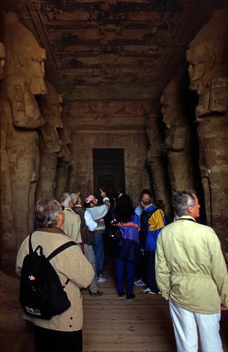 "Ägypten 1999 (128) Assuan: Im Großen Tempel von Abu Simbel • <a style=""font-size:0.8em;"" href=""http://www.flickr.com/photos/69570948@N04/26873183734/"" target=""_blank"">View on Flickr</a>"