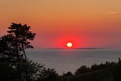 Setting sun (Jakob Arnholtz) Tags: sunset sun nature weather natur setting solnedgang sejr vejr settingsunsunset odsherred arnholtz