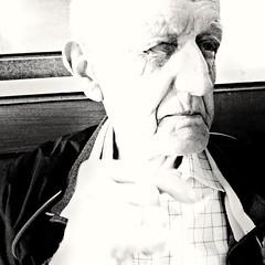 """""""E quel tuo sorriso tanto raro, quanto prezioso mi ha insegnato cosa significa la parola FELICIT"""" (sofiabernini1) Tags: man flower love happy robe father grandfather happiness oldman natura bn occhi campagna uomo ritratti ritratto amore nonno biancoenero primopiano lampada citta citt nonni felicit naturale eys blackandwith blackandwaith"""