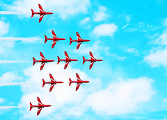 REDS...WHITE AND BLUE. (tommypatto : ~ IMAGINE.) Tags: raf royalairforce airshows aircraft redarrows
