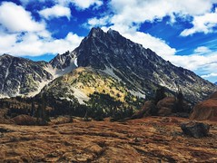Mt. Stuart - Lake Ingalls (Stephanie Meshke) Tags: mtstuart alpinelakeswilderness wenatcheenationalforest mountain washington pnw