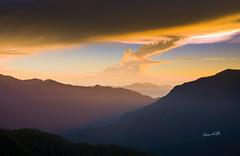 天地合鳴 (lgf55555(基福)) Tags: 海拔 合歡山 日出 雲彩 3200m 斜光
