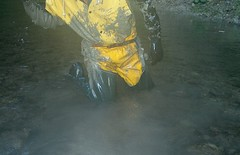 IM001359 (hymerwaders) Tags: wet yellow gelb muddy waders matsch nass watstiefel