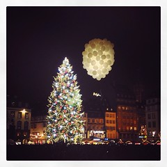 28.11.14 (baptistedesmonts) Tags: christmas france europe novembre illumination jour strasbourg alsace capitale nol sapin esprit vendredi baptiste saison 2014 christkindelsmrik capitaledenol instachristmas strasgram instanol instalsace