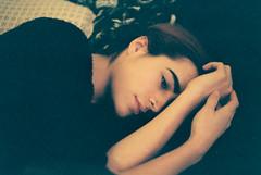 (Jan Phoenix) Tags: 35mm olympus film fuji janphoenix superia200 girl sad beauty arms eyes look redhead love bed home om4ti