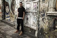 WIL SANTOS - promo (DanGuinski) Tags: street brazil portrait urban musician music color wil fashion brasil contrast canon de photography promo model grafitti br photoshoot retrato moda modelo iso curitiba santos 200 contraste hiphop rap promotional rapper santo nada msico promocional