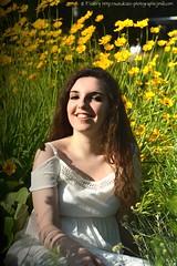 DSC_1320+ (SuzuKaze-photographie) Tags: portrait woman lyon bokeh femme parc swirly helios442 suzukazephotographie
