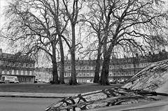 (frscspd) Tags: trees reflection tree film car architecture bath pentax takumar circus georgian ilfordxp2 58mm mx ilford mobydick filmgrain georgianarchitecture pentaxmx thecircus johnwood johnwoodtheelder kingscircus takumar58mm ilfordxp2400bw 20160410 49630010 davidcharmanremovals