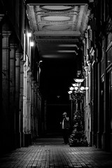 Rue de Castiglione (Nikan Likan) Tags: street light white black paris reflection night vintage lens photography prime aperture 85mm 15 mount m42 1992 zenit manual russian f4 blades | jupiter9 2016 preset  2 lzos 9