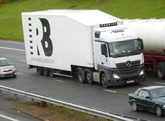YK64 LBV (Cammies Buses) Tags: reed truck mercedes benz lorry flyover m74 lockerbie lbv actros boardall yk64 yk64lbv