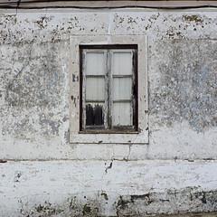 Ventana de Montemor-O-Novo (John LaMotte) Tags: ventana window janela portugal montemoronovo infinitexposure alentejo decayed decadencia ilustrarportugal