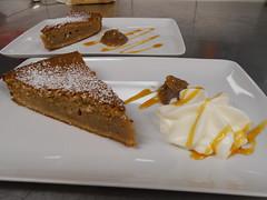 Dame chataigne (ywarnery1) Tags: fruit dessert marron feu crème gâteau coque braise glaçage châtaigne