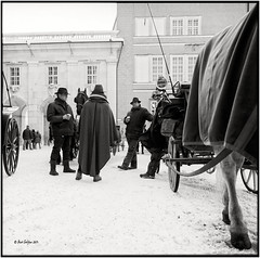 Coachmen in front of the Cathedral_Hasselblad (ksadjina) Tags: winter salzburg 6x6 film analog austria blackwhite scan hasselblad500cm silverfast kodak100tmax nikonsupercoolscan9000ed carlzeissdistagon40mmf14