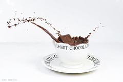 Chocolademelk (.MARTINE.) Tags: winter hot cold drops warm sweet delicious splash softbox lekker martine koud chocolade cacao zoet druppels chocolademelk nikkor85mm spetters nikond800 nikonsb910speedlight abigmessafterwards eengrotebendenaderhand maarwelleukomtedoen