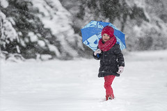 Having fun in the Snow (Erik de Klerck) Tags: winter snow sneeuw sneeuwpret