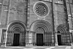 DSC_6394_380. Vercelli-Basilica of St. Andrew-Detail of the facade. (angelo appoloni) Tags: detail st facade basilica andrew piemonte di rosette piedmont sandrea rosone vercelli particolare facciata