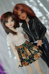 Ember and Aurora; An unlikely friendship (Tefetre) Tags: bjd mnf minifee mirwen rheia inessencecreations teatimedollapparel tatianna83