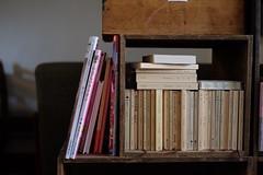 nido bookshelf (ToshikiNakano) Tags: book cafe bookshelf