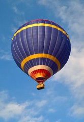 Hot Air Balloon (baldychops) Tags: travel reading evening fly flying basket lift outdoor air hotair balloon flight floating gas passengers heat hotairballoon passenger float berkshire pilot padworth