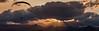 Parapentes (Gelert, el eterno aprendiz) Tags: sol canon cielo nubes 7d puesta parapente rayos ltytr1