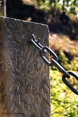 Sule mit Kette / Column with Chain (UlvargHS) Tags: dresden sony sachsen stein weinberg kette eisen schlosswackerbarth sule ulvarg