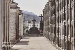 Perspectiva - 9482 (Marcos GP) Tags: marcosgp lima peru cementerio camposanto mausoleo tomb arte funebre funerary