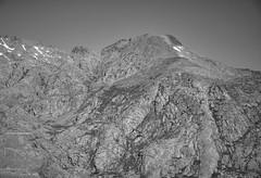 Barreones Peak (I)/Risco de Los Barreones (I) (Modesto Vega) Tags: mountain monochrome rock landscape blackwhite waterfall path fullframe senda d600 glacialcirque sierradegredos circodegredos lagunagrande mountainrefuge nikond600 refugiodemontaa gredosglacialcirque picobarreones barreonespeak
